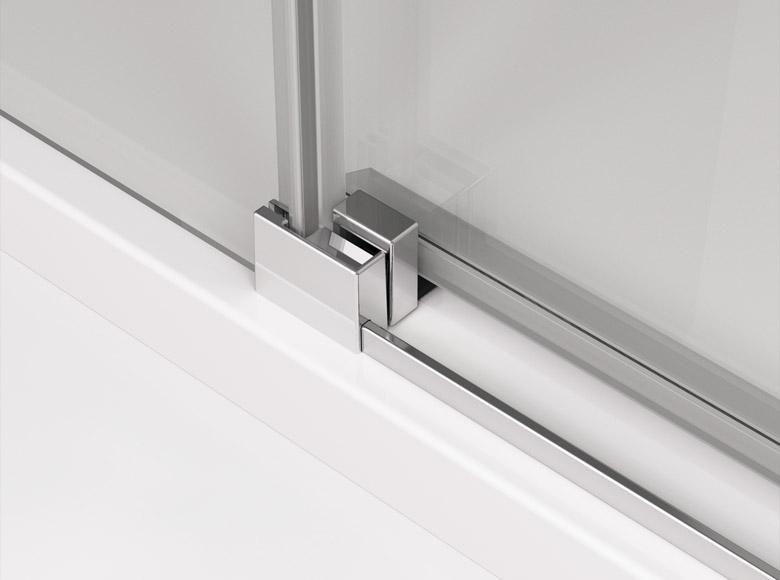 Дверь с откидным механизмои
