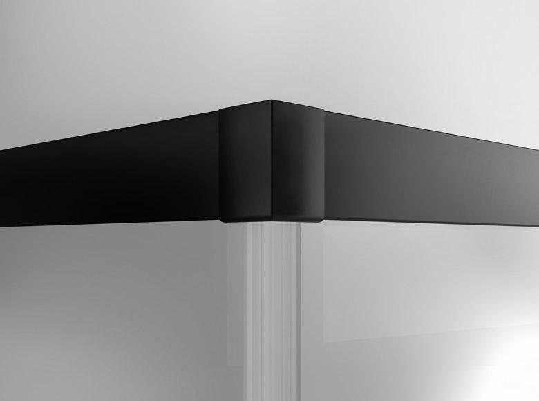 Imbinarea de colt subliniaza in detaliu calitatea generala a modelelor TOP-LINE S BLACK