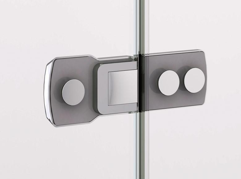 Встроенные петли на внутренней стороне стекла. Гладкая поверхность закрытых встроенных петель упрощает уход за душевыми кабинами